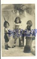Photographie Montage . Trois Enfants, Récipients Lessive. 1913 - Illustrateurs & Photographes