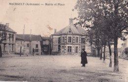 Machault Mairie Et Place - France