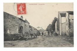 CPA 70 VOUGECOURT Grande Rue - Francia