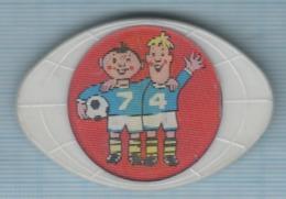 USSR / Badge / Soviet Union / Football. FIFA Cup World Championship 74 Germany. Stereo. 3 D. - Fútbol