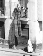 Photo Algérie. Oran Contraste Entre Deux Femmes 1980. Photo Du Père G. Beeckmans - Afrique