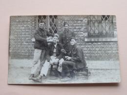 BEVERLO ( De Slachter Der ......) Peloton / Escadron Militairen () Anno 19?? ( Details Zie Foto ) Format CP/PK ! - Guerre, Militaire