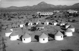 ANGOLA  - Province Portugaise De L'Afrique Occidentale -  Un Village Indigène - Angola