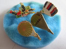 Pin's Pin S Lot De Quatre Parachutisme - Militaria
