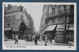 PARIS 17e - La Rue Des Dames - District 17