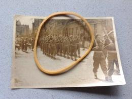 Werl Photo Originale Défilé Militaire Belge Chasseur Ardennais A Confirmer ? - Militaria