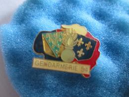 H Pin's Pin S Sport  Gendarmerie Militaire Militaria 94 - Militaria