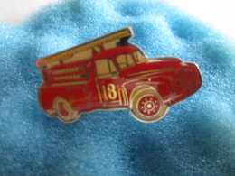 J Pin's Pin S Sapeurs Pompiers 18 Véhicule - Bomberos
