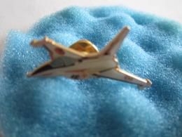 J Pin's Pin S Militaire Militaria Avion Rafale Armée De L'air - Militaria