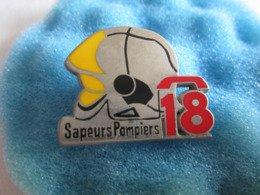 L Pin's Pin S Sapeurs Pompiers 18 - Bomberos