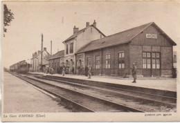18 AVORD  La Gare - Estaciones Con Trenes