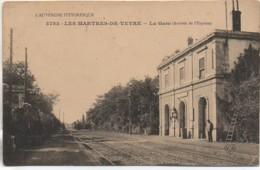 63 LES MARTRES-de-VEYRE - La  Gare (Arrivée De L'Express) - Estaciones Con Trenes