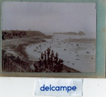 Photo Ancienne -   CANCALE  -    Bateaux à Marée Basse Dans Une Baie - Lieux