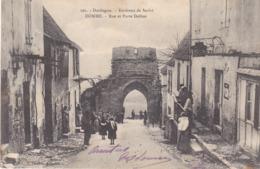BERG19- DOMME   EN DORDOGNE RUE ET PORTE DELBOS  CPA  CIRCULEE 1904 - France