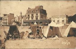 ( LES SABLES D OLONNE     )   ( 85 VENDEE ) PLAGE DES SABLES D OLONNE VERS LE ROYAL PALACE - Sables D'Olonne