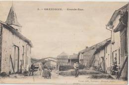 GRANDHAM - Grande Rue. Personnages Au Premier Plan. Matériel Agricole. Carte Animée. - Francia