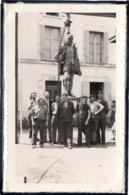 ANCENIS - PHOTO CARTE - STATUE DE JOACHIM DU BELLAY ENLEVEE ET CACHEE PENDANT LA GUERRE - Ancenis
