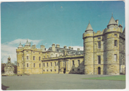 Postcard - Palace Of Holyroodhouse, Edinburgh - The West Front With James V Towers - Card No. 7 - VG - Postkaarten