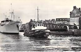 """BATEAU DE COMMERCE Cargo Commercial BANANIER """"PANAMA EXPRESS"""" à DIEPPE (76) Tiré Par Un Remorqueur - CPSM PF - Boat - Bateaux"""
