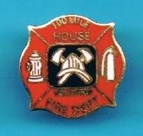 PIN'S //  ** 100 MILE / HOUSSE VOLUNTEER / FIRE DEPT ** . (Reiter) - Bomberos