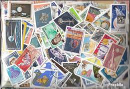 Motive Briefmarken-2.000 Verschiedene Weltraum + Raketen Marken - Spazio