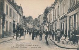 I177 - 35 - CHATEAURENAULT - Ille-et-Vilaine - La Rue De La République à 11 Heures Du Matin - France
