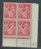 France N° 433 XX Type Iris  1 F. Rouge En Bloc De 4 Coin Daté Du 28 . 3 . 40 , Sans  Point Blanc Sans Charnière, TB - 1940-1949