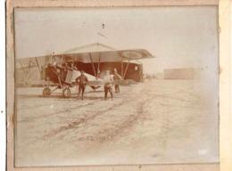 Photo Albuminée Sur Carton : Avion Biplan Militaire à Montargis ? (45) Type à Déterminer   Animée - Luchtvaart