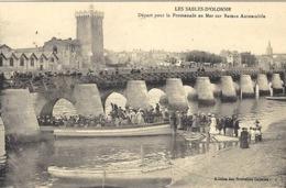 LES SABLES D' OLONNE (85) - Départ Pour La Promenade En Mer Sur Bateau Automobile - Ed. Des Nouvelles Galeries - Sables D'Olonne