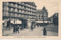 I178 - 38 - GRENOBLE - Isère - Rue Félix-Poulat Et La Gare Des Tramways - Grenoble
