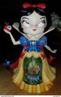 Rare Figurine En Boîte Blanche Neige Disney Showcase Miss Mindy - Disney