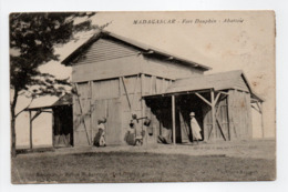 - CPA FORT-DAUPHIN (Madagascar) - Abattoir 1914 (avec Personnages) - Edition Annequin - - Madagascar