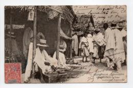 - CPA TANANARIVE (Madagascar) - Chaugeurs Hovas Au Zoma 1904 (belle Animation) - Edition Couadou N° 72 - - Madagascar