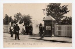 - CPA DEAUVILLE (14) - Entrée Du Champ De Courses (avec Personnages) - Editions Lévy N° 88 - - Deauville