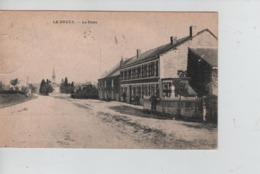 CBPNCPB35/ Belgique-België CP Le Bruly La Poste Animée (Facteur ?) Eglise +/- 1920 - Couvin