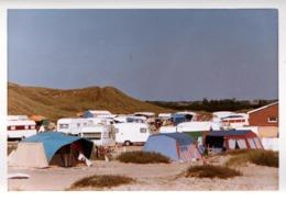 Photo Couleur B.B. Originale Camping & Caravanes Vintages Sur L'Île D'Amrum Au Pied Du Phare D'Amrum En 1971 - Luoghi