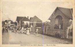 CPA 50 Manche Hauteville Sur Mer Rue De La Mer - Francia