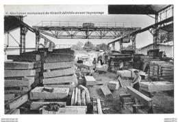 Saint Etienne En Cogles       Quelques Morceaux De Granit Débités Avant  Façonnage - Frankreich