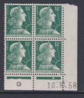 France N° 1011 A Type I XX Mari. De Muller : 18 F. Vert En Bloc De 4 Coin Daté Du 16 .10 . 58;  1 Pt Blanc Sans Char. TB - Ecken (Datum)