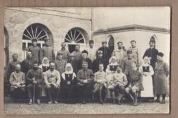 CPA PHOTO GUERRE 14-18 - TB PLAN GROUPE En CP Photographique Hôpital Militaires Poilus Infirmières - Guerre 1914-18