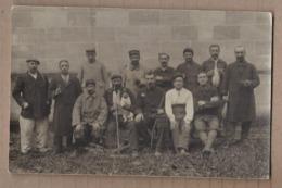 CPA PHOTO GUERRE 14-18 - TB PLAN GROUPE POILUS MILITAIRES - Guerre 1914-18