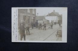 MILITARIA - Carte Postale Photo - Prisonniers Allemands Nettoyant Les Rues - L 48075 - Guerre 1914-18