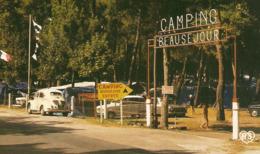 17 - La PALMYRE Les MATHES - Camping Beau Séjour - Renault 4 Chevaux 4 CV R 4 R4 4L 4 L - ZOOM - Voitures De Tourisme