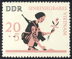 1220 Unbesiegbares Vietnam 20+5 Pf ** - [6] Repubblica Democratica