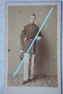 CDV ABL Officier Belge Circa 1864 Sabre Sword Armée Belge Belgische Leger Photographe Ch BILLOTTE Et Cie Bruxelles - Oud (voor 1900)
