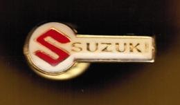 """Pins """"SUZUKI"""" Copertura Trasparente In Rilievo - Formato Mm.25x10----(lotto 5970E) - Toyota"""