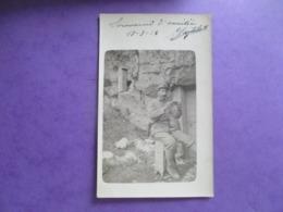 CPA PHOTO MILITAIRE POILU  MOUSTACHES LETTRE - Guerre 1914-18