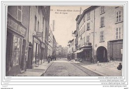 Cpa Réf-JPS-796 ( Dép 42 )   Sur La Droite Dans La Rue De Lyon à RIVE-de-GIER , On Remarque Bien L'EPICERIE Et Le TABAC - Rive De Gier