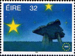 Irlande Poste N** Yv: 813 Mi:810 Marché Unique Européen Monument Mégalithique (Thème) - Instituciones Europeas