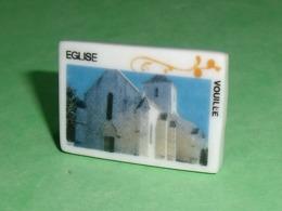 Fèves / Pays / Régions : Vouillé , L'église , Perso   T119 - Regionen